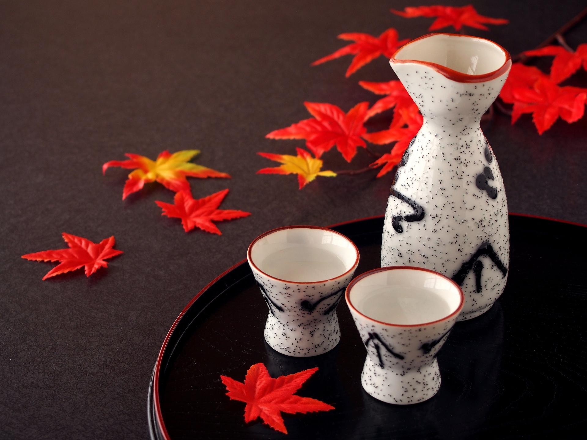 """日本酒をおいしく飲むための""""やわらぎ水""""とは"""